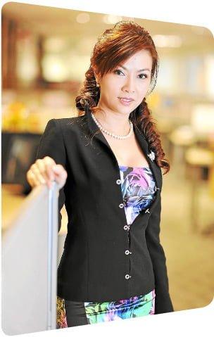 Dato' Jessie Yow leading women