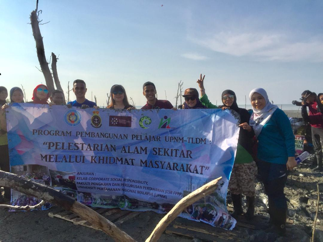About 83 Universiti Pertahanan Nasional Malaysia (UPNM) and (Tentera Laut Diraja Malaysia) logistic students participated in the UPNM-TLDM Student Development Program: Environmental Sustainability through Community Service at the Lekir Forest Reserve in Lumut, Perak recently.