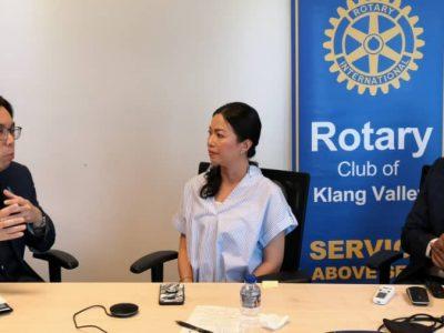 Prof Dr Amer, Eka Shereen , moderator rotarian Anthony Raja